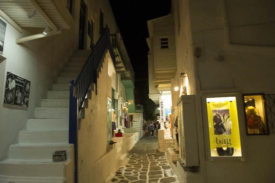 06 - Rue de Mykonos
