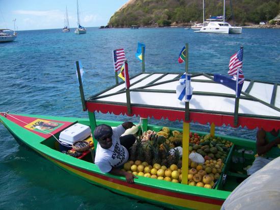 10 - Un boy boat