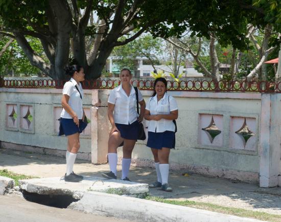 Lycéennes à la sortie de l'école