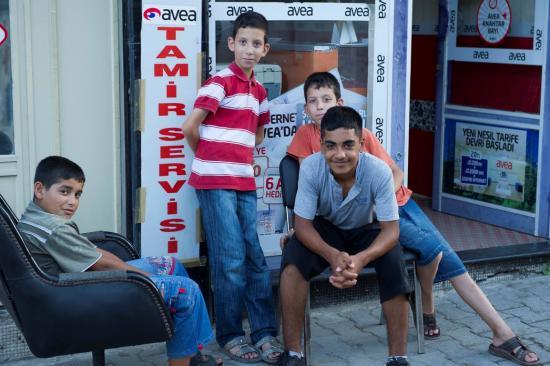 Des gamins dans la rue