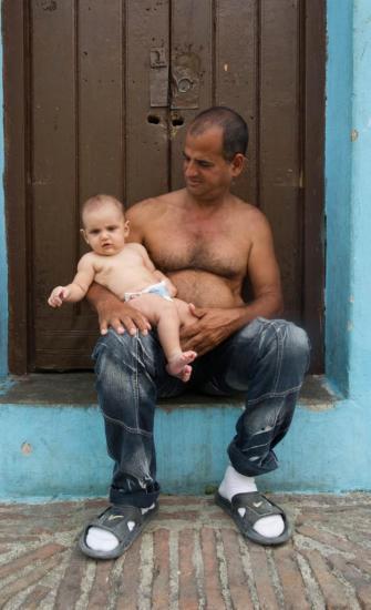 Un père et son enfant