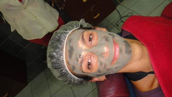 Même Béa y passe (au masque, pas au rasage)