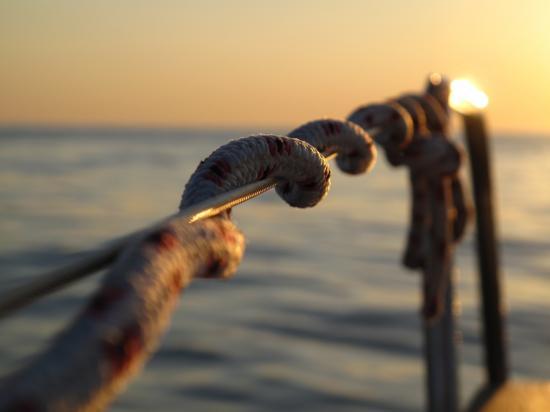 Détail du bateau à l'aube 3